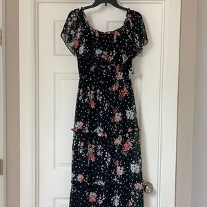 NWT, Off The Shoulder Maxi Dress!